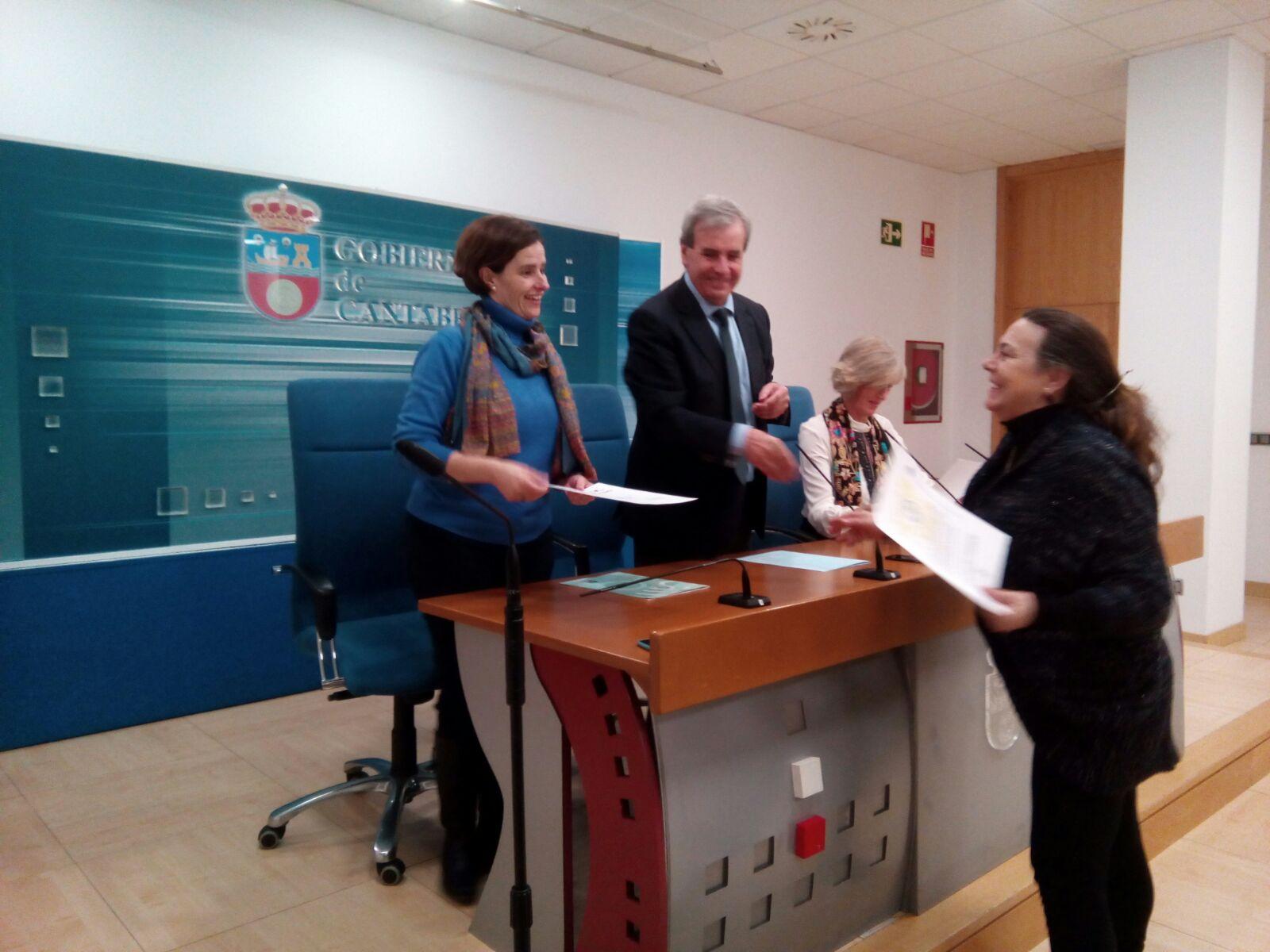 ENTREGA DE DIPLOMAS A LOS EMPLEADOS PÚBLICOS DEL GOBIERNO DE CANTABRIA FORMADOS EN LSE